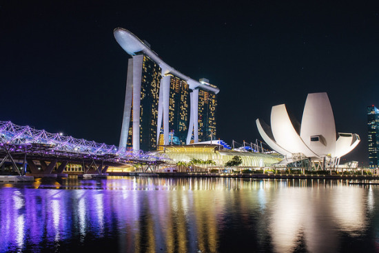 Marina Bay, Singapore – Photo: Leonid Yaitsky via Flickr, used under Creative Commons License (By 2.0)