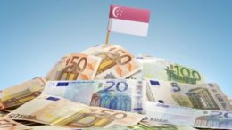 singapore-flag-over-other-currencies_2